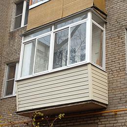 сталика с выносом вид балкона